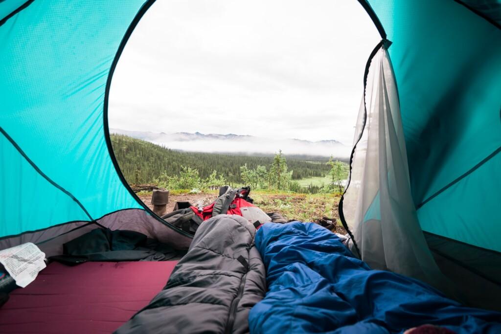 キャンプに枕は必要?