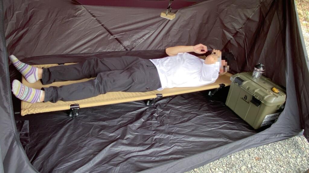 ローコットに寝る